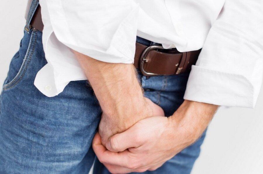 На фото: цистит у мужчин